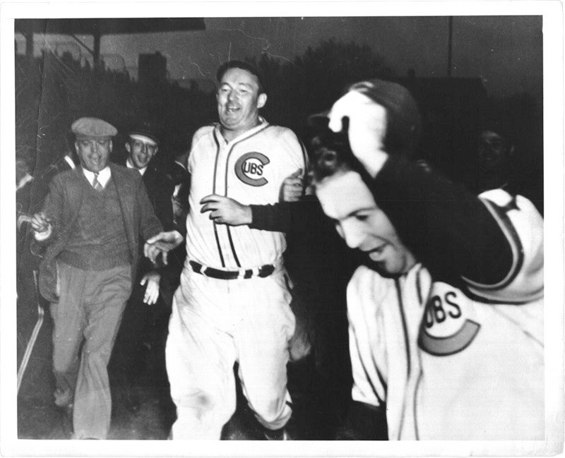 1938: Hartnett's Homer in the Gloamin'